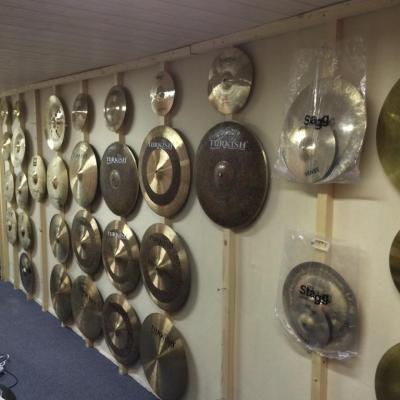 Mur de cymbales